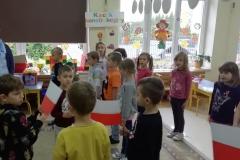 szkoła-do-hymnu002