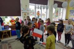 szkoła-do-hymnu003